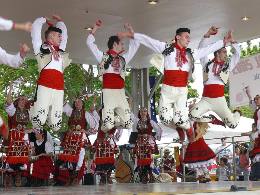 Ethnic Fest dancers